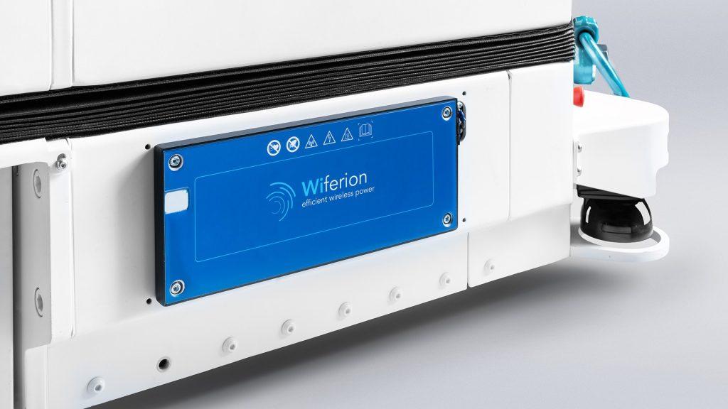 Stäubli WFT wireless charging agv - power system for robots