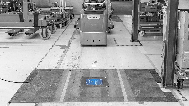 wiferion anwendungsgebiet induktiv laden bodeninstallation - floor installtion - routenzug automatisieren